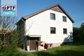 Dvougenerační rodinný dům v Újezdě